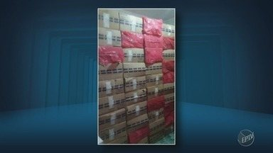 Polícia Militar apreende 180 mil maços de cigarro na Vila Padre Anchieta, em Campinas - A carga foi avaliada em R$ 200 mil; O homem responsável pelo crime foi levado à sede da Polícia Federal.