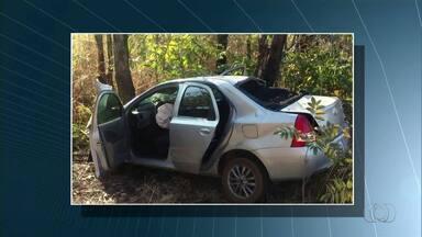 Uma mulher morre e duas ficam feridas após carro bater em árvore na TO-080 - Uma mulher morre e duas ficam feridas após carro bater em árvore na TO-080