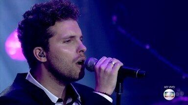 Thiago Fragoso arrasa com hit 'The Scientist' - Ator anima e arrasa no palco do 'PopStar'