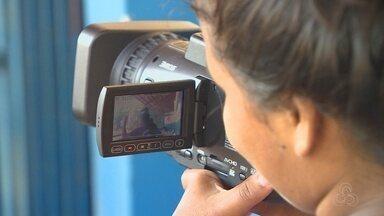 Comunidade participa de mais uma edição do Pipoca em Cena, em Manaus - Evento leva cinema para periferia da capital.