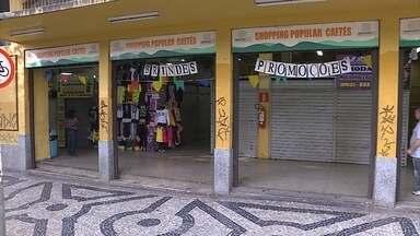 Camelôs cadastrados têm até hoje para confirmar interesse em vagas de shoppings populares - A partir desta segunda, estão abertas 57 vagas em um outro shopping popular da própria Prefeitura de Belo Horizonte.