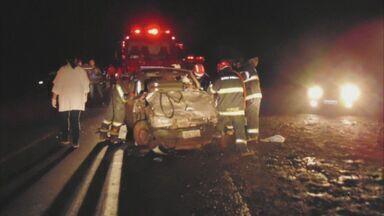 Casal morre após colisão na Estrada Vicinal Ivo Morganti, em Ibaté - Motorista do outro veículo ficou ferido e permanece internado em estado grave.