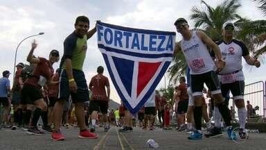Meia Maratona do Rio reúne atletas do país inteiro - No domingo (20), mais de 8 mil atletas participaram da Meia Maratona do Rio e houve muita animação.