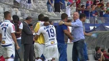 Cruzeiro vence Sport e está vivo na luta pelo título do Brasileirão - Cruzeiro vence Sport e está vivo na luta pelo título do Brasileirão
