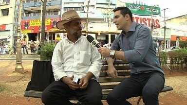 Globo Esporte vai às ruas ouvir a opinião da galera - Victor Andrade conversa com torcedores no Centro de Goiânia