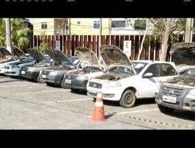 Em Ipatinga, Polícia Militar realiza leilão de 106 veículos - Lotes têm lance mínimo de R$ 50 e outros de até R$ 3.300.