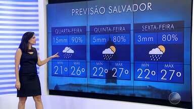 Previsão do tempo: frente fria deve chegar ao sul e litoral da Bahia - Chance de chuva para a quarta-feira (23) é de 90%.