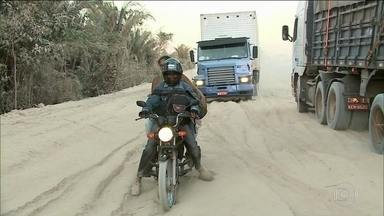 Governo decide asfaltar pista e só piora condições de trecho da BR-226 - Trecho é uma das principais ligações entre Maranhão e Piauí. Erro no projeto, fez as obras pararem ao longo de 75 quilômetros.