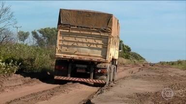 Relatório aponta más condições e falhas em rodovias do país - Segundo a Confederação Nacional do Transporte, apenas 12% das rodovias brasileiras são pavimentadas.