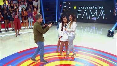 Cláudia Cristina faz dupla com Maiara no Caldeirão da Fama - Ela foi capturada nas ruas do Rio para cantar com Maiara no palco do Caldeirão