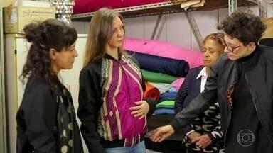 Estilista e publicitária ganham a vida despoluindo o meio ambiente - Adriana e Itiana vão na contramão do que é feito na indústria da moda. Negócio transforma pneus e tecidos de guarda-chuvas em roupas e bolsas.