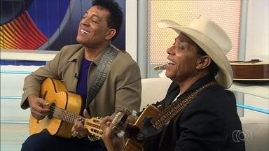 Dupla sertaneja André e Andrade fala sobre os mais de 40 anos de estrada - Eles são da cidade de Itaguari, em Goiás.