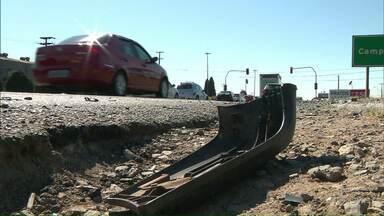 Três pessoas morrem atropeladas na BR-277 - Segundo testemunhas, o motorista que dirigia o carro é um adolescente. Ele fugiu do local do acidente.