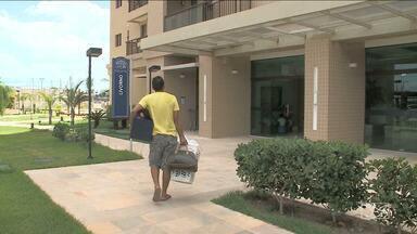 Moradores de prédio interditado em São Luís voltam aos seus apartamentos - Ainda sem gás encanado, os moradores do condomínio Jardins de Toscana no bairro do Cohafuma em São Luís, começaram a voltar aos apartamentos.