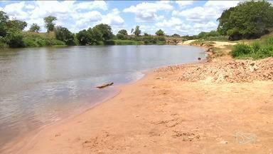 Moradores em Bacabal estão preocupados com nível do Rio Mearim - Preocupação desta vez é com o baixo nível do Rio Mearim que tem prejudicado o abastecimento de água