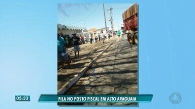 Motoristas reclamam do atendimento no Posto Fiscal de Alto Araguaia - Motoristas reclamam do atendimento no Posto Fiscal de Alto Araguaia.