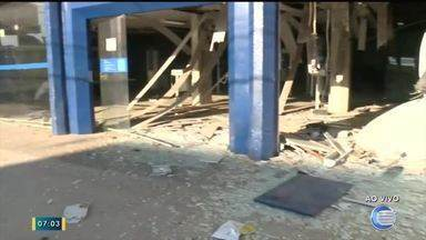 Bandidos explodem agência da Caixa e matam morador de rua em Timon - Bandidos explodem agência da Caixa e matam morador de rua em Timon