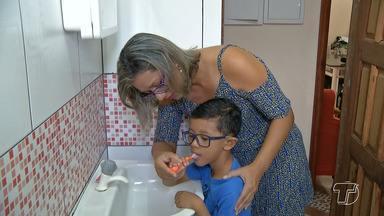 Dentista fala sobre a importância da aplicação de flúor na higiene bucal desde a infância - Durante as etapas do projeto viva vida, observou -se, que muitos pais ainda são despreocupados com a educação bucal dos filhos.