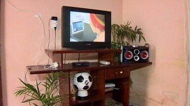 170 mil kits de sinal digital são distribuídos na Grande Vitória - Quem tem cadastro em programas do Governo Federal tem direito a um kit de instalação.