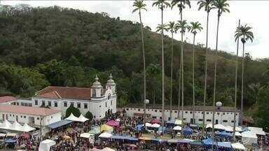 Domingo foi de tradição em Paraíba do Sul, RJ, com a festa de Bom Jesus de Matosinhos - Devotos foram agradecer as bênçãos recebidas.