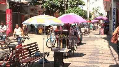 Cresce o número de vendedores ambulantes em Imperatriz - Vendedores ambulantes do centro de imperatriz foram notificados pela prefeitura pra retirar os produtos das calçadas