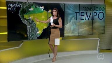 Frente fria avança e pode provocar ventania entre o RS e o litoral até SP - A umidade baixa vai varrer grande parte do Brasil.