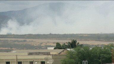 Já está sob controle o incêndio do lixão da cidade de Patos - A informação foi repassada pelo Corpo de Bombeiros.