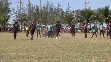 Futebol americano agita o Balneário de Atafona, em São João da Barra, no RJ - Assista a seguir.