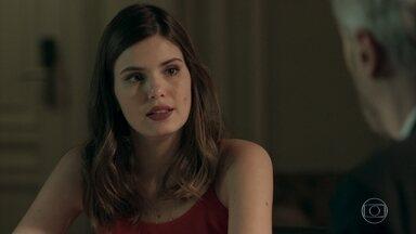 Luíza promete descobrir o que há por trás do acidente de Mirella - A mulher de Eric conversa com Douglas sobre o processo