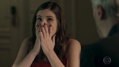 Luíza estranha as informações sobre a morte de Mirella - Ela diz a Douglas que vai investigar a fundo o que aconteceu com a primeira mulher de Eric