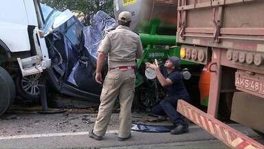 Justiça aceita denúncia contra caminhoneiro acusado de provocar acidente - Ele teria sido responsável pela morte de seis pessoas.
