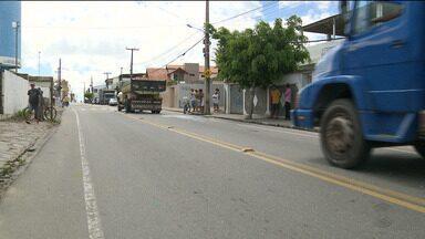 Aposentado morre ao tentar desviar de carro em acostamento - O acidente foi entre o Distrito de São José da Mata e o Município de Puxinanã.