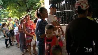 Pacientes enfrentam filas para marcar consultas e exames em São Luís - Pessoas que precisam de atendimento médico pelo SUS no posto de saúde da vila Vicente Fialho, em São Luís, denunciam a dificuldade para marcar exames e consultas.