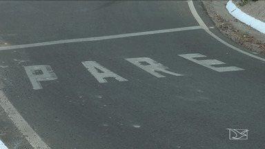 Imprudência coloca em risco vida de pedestres e motoristas na BR-316 no MA - Desrespeito às leis do trânsito no trecho da rodovia que passa na área urbana de Caxias colocam em risco a vida de pedestres e motoristas que tentam trafegar corretamente.