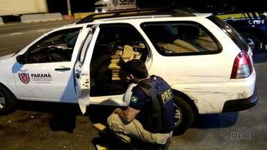 Polícia apreende droga em carro com placas clonadas do governo do Paraná - O caso aconteceu em Joinville, Santa Catarina. A placa do carro clonado pertencia a Foz do Iguaçu.