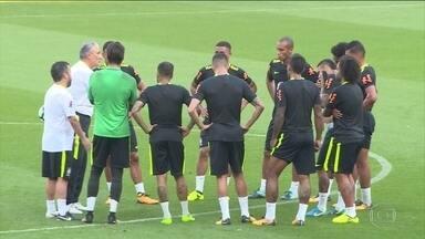 Seleção Brasileira faz últimos ajustes antes de encarar o Equador pelas eliminatórias - Tite decidiu mudar o time e colocou Willian no lugar de Coutinho que não atua pelo Liverpool há mais de um mês.