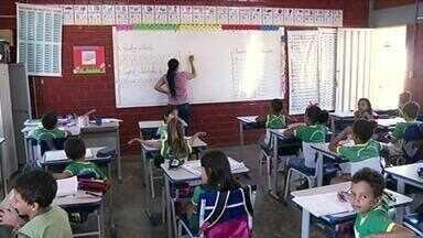 Alunos da rede pública de Gurupi sofrem com o calor por falta de ar-condicionado - Alunos de escolas públicas de Gurupi sofrem com o calor por falta de ar-condicionado