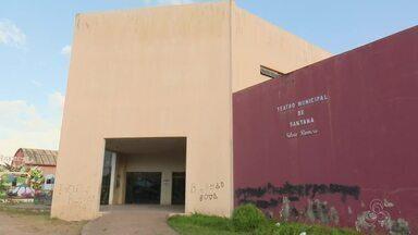 Tô Na Rede: Teatro de Santana terá obra retomada e deve ser concluído no fim de 2018 - A prefeitura do município informou que ocorreram problemas estruturais e 90% da instalação elétrica foi perdida. A sugestão de reportagem foi enviada pelo internauta Cleo Barros.