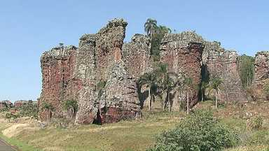 Visitas ao Parque de Vila Velha precisarão de guias de turismo - Motivo seriam as depredações no local.