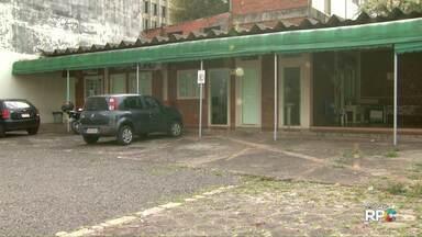 Escritório da Cohapar continua fechado em Foz - Promessa era de que o local seria reaberto nesta semana.