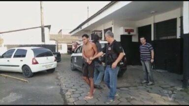 Homem suspeito de roubar ônibus é preso em Guarujá - Suspeito teria praticado assaltos em diversos ônibus na cidade.