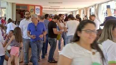 Feira oferece emprego e serviços em Campo Grande lota neste sábado - Evento é uma oportunidade para quem deseja voltar ao mercado de trabalho.