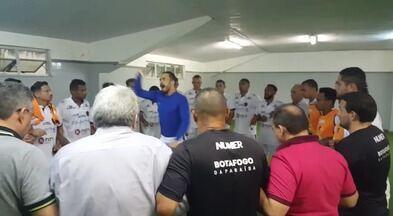 Michel Alves faz preleção emocionada antes de jogo do Belo no Castelão - Goleiro foi sacado do time e vinha sendo muito criticado pela torcida. Mas deu demonstração de grupo e pediu raça e honra aos jogadores no jogo contra o Sampaio Corrêa.