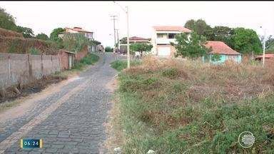 Terrenos baldios causam reclamações de moradores por causa de insegurança e sujeira - Terrenos baldios causam reclamações de moradores por causa de insegurança e sujeira