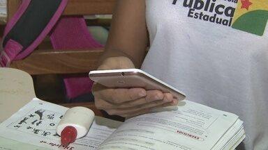 Uso de celular é proibido em escolas públicas de Rio Branco - Uso de celular é proibido em escolas públicas de Rio Branco