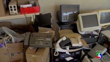 Curso de engenharia da computação da UFMS recebe lixo eletrônico - Equipamentos eletrônicos não mais utilizados, que funcionam ou não, podem ser levados na Universidade Federal de Mato Grosso do Sul. Estudantes de engenharia da computação vão trabalhar para dar destinação correta.