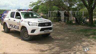 Homem é morto a tiros no bairro Nova Caruaru - Irmão ficou ferido e foi levado para o Hospital Regional do Agreste.