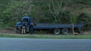 Empresa de granito diz que não tem responsabidade em acidente na BR-101 com 11 mortes - Granitos Colodetti, dona das chapas que eram transportadas por caminhão, se pronunciou pela primeira vez.