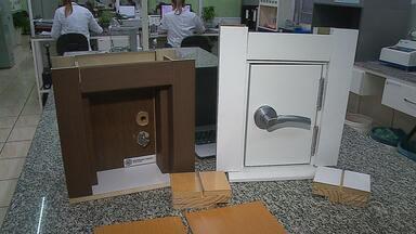 Reciclagem de garrafas pets é usada para fabricar revestimentos no Norte do RS - Assista ao vídeo.