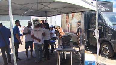TV Bahia promove ação no bairro de Sussuarana para divulgar a tv digital - No dia 27 de setembro o sinal analógico vai ser desligado em Salvador e mais 27 cidades.